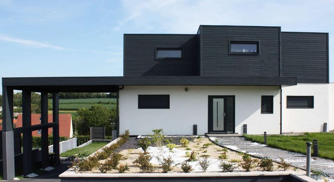 construction-maison-ossature-bois-ecologique-Logicobois-devant