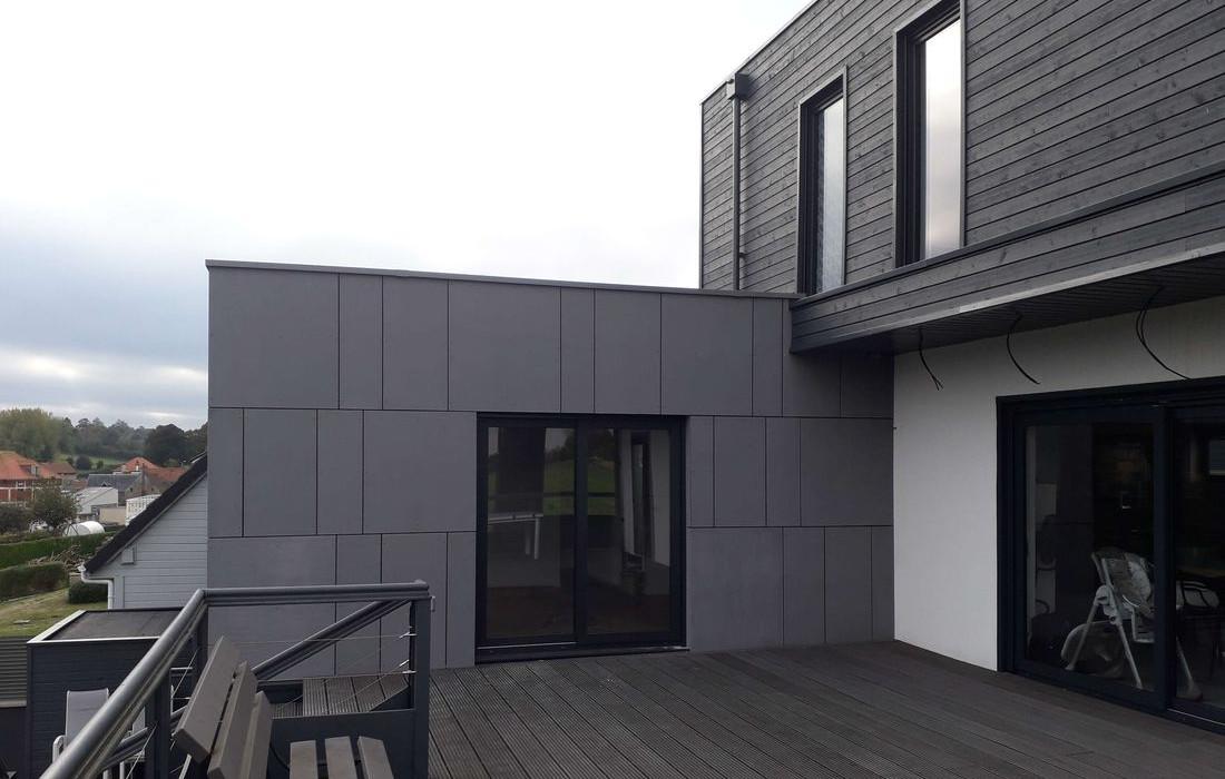 extension-moderne-maison-bois-ossature-panneau-equiton-001